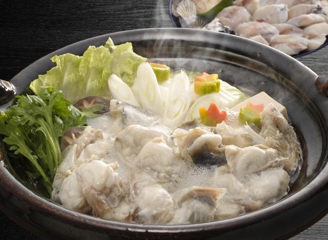 """Hot-pot of Fugu, """"Fugu-chiri"""""""
